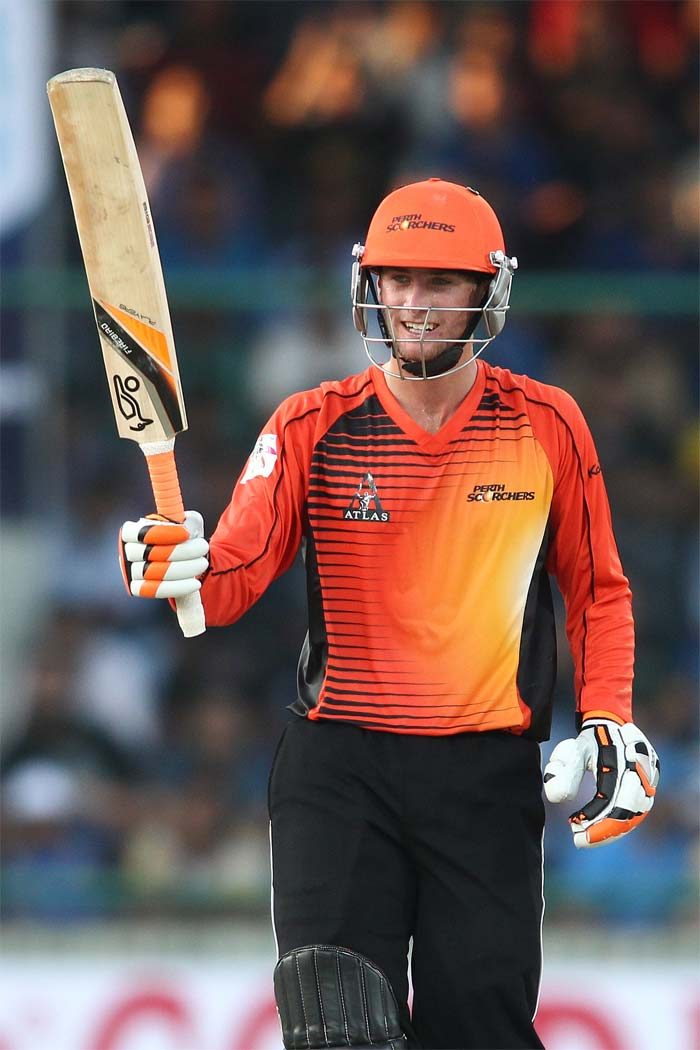 Playing the first professional Twenty20 game of his life, Sam Whiteman starred for the Perth Scorchers, scoring a 32-ball 51* with the help of six fours and two sixes. Thanks to him, Perth ended at a fighting 149 for 6.