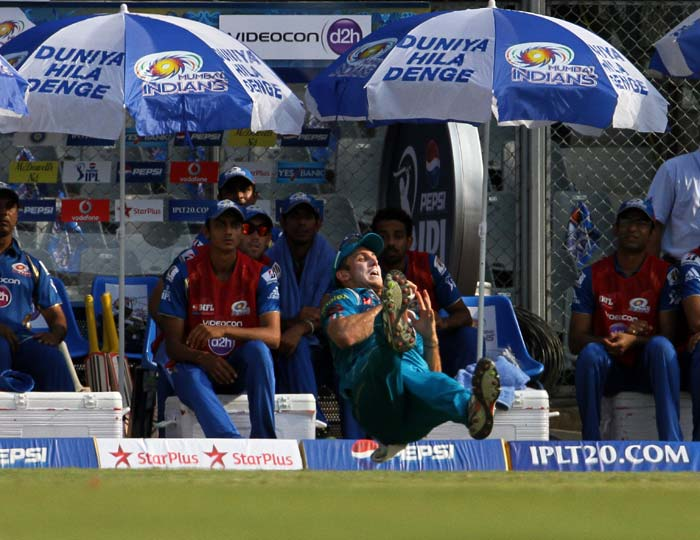 After scoring 44 runs from 29 balls, Sachin was dismissed by Aaron Finch, caught by Mitchell Marsh, who took a tumbling take at the long on fence. (BCCI image)