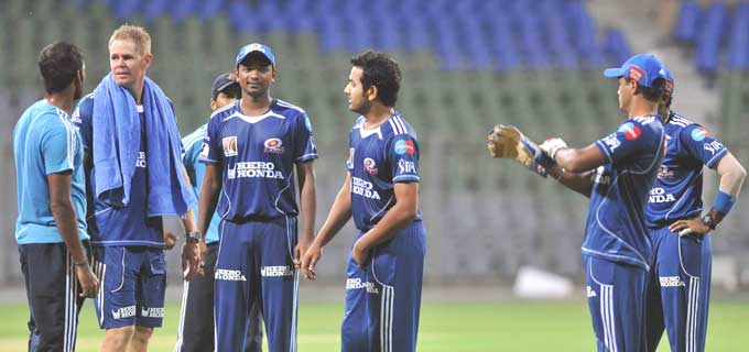 """Bowling consultant Shaun Pollock walks in to have a chat with players as Rohit Sharma seems to give him the most attentive ear in the lot. (Photo courtesy: <a href=""""http://www.mid-day.com//"""">Mid-day.com</a>)"""