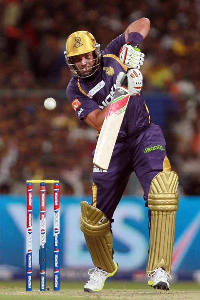 Jacques Kallis' innings too was of note and though he was dropped once off Ojha's bowling, there was no shortage of class and skill in his 38-ball 37. (BCCI image)