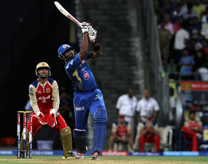 Pollard hammered 34 runs from 16 balls, scoring 2 fours and 3 sixes and he gave Mumbai the real flourish just before getting out in the 18th over. (BCCI image)