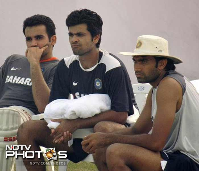 In 2006, Munaf took ten wickets in a tour match for Baroda President's XI against England and was rewarded for it by getting picked for India ahead of the second Test at Mohali.