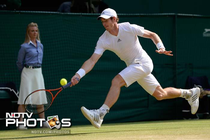 Murray then fought back stunningly to break Djokovic's serve thrice more in the second set to claim it 7-5.