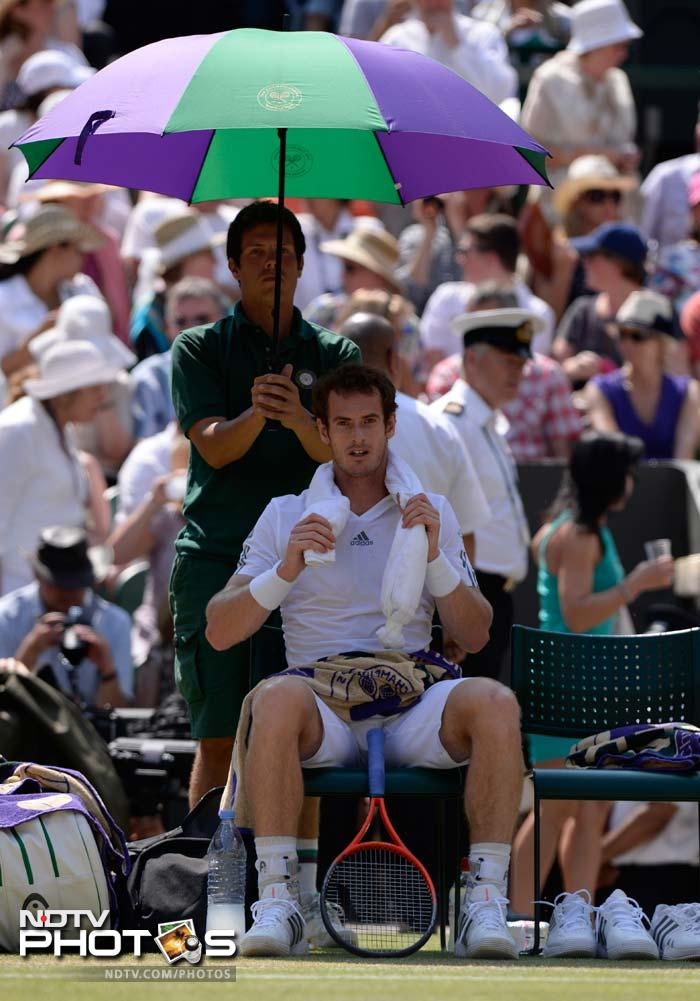 Murray did feel the heat though, not from Djokovic, but from the glazing sun which affected his serve at times as he had to look straight into the sunlit sky.