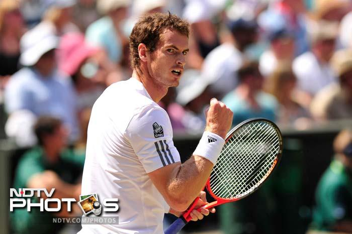 Murray dominated the first set and went onto claim it 6-4 in 59 minutes.
