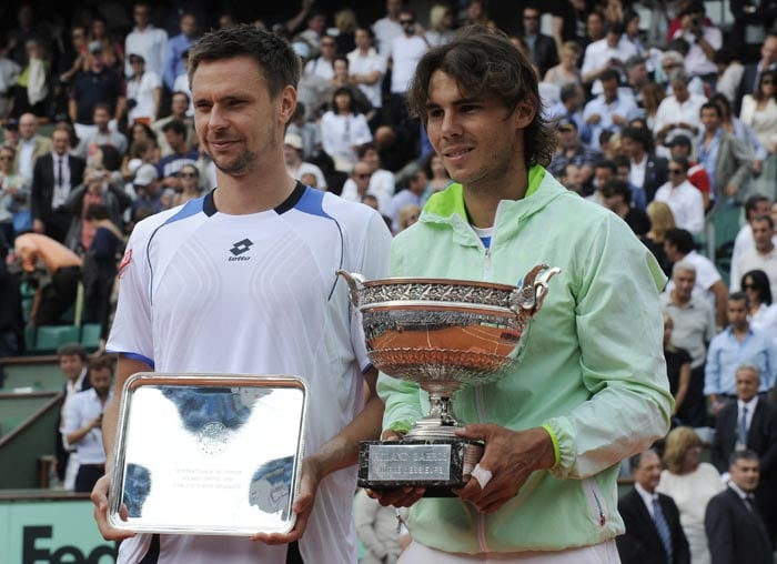<b>2010: bt Robin Soderling (SWE) 6-4, 6-2, 6-4</b><br><br> Rafa reasserts his 'King of Clay' status. Having suffered his only career defeat in Paris the previous year in a shock fourth round exit to Robin Soderling, Nadal takes revenge over the Swede for a fifth French Open title. The win takes his tournament record to 38-1 and helps him depose Federer as world number one. It is the second time he wins the title without dropping a set, having first achieved the feat in 2008.