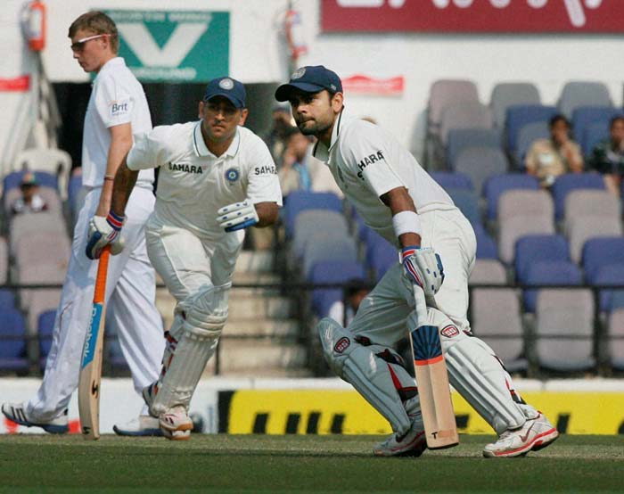 They needed to bat responsibly and take India out of murky waters on Day 3. Virat Kohli (right) and skipper MS Dhoni did just that but quick wickets towards the end undid their efforts a bit. (PTI image)