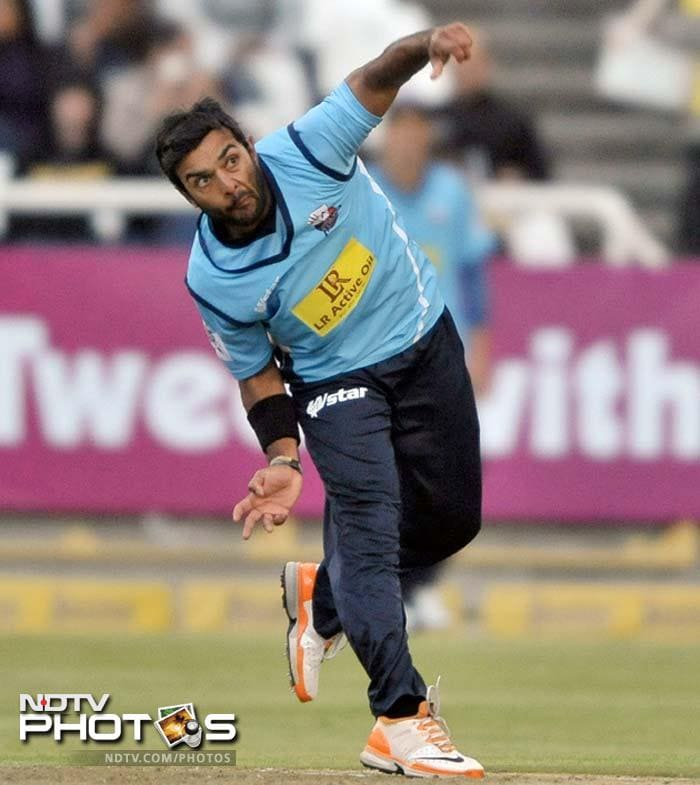 <b>Ronnie Hira:</b> Another Aces' player, Hira has shown he truly is a gem of a player. This 25-year-old has a fairly decent economy in T20s and can frustrate batsmen into making mistakes.