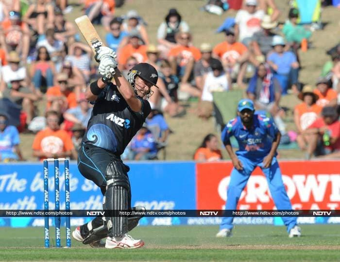 It was Corey Anderson who was responsible for powering Kiwi innings.<br><br>His unbeaten knock of 68 off 40 took his side to 292/7.