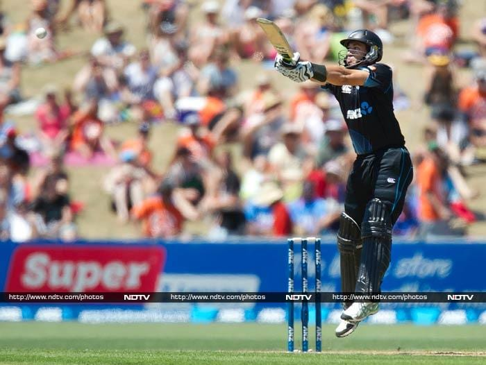 Williamson had solid support from Ross Taylor who hit 55 off 82 before becoming Shami's third victim.