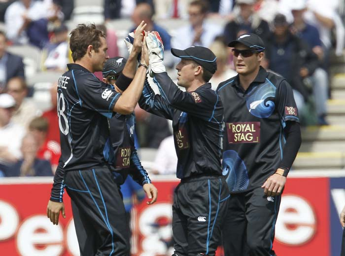 Kyle Mills and Nathan McCullum were impressive with the ball for New Zealand, finishing with figgures of 2/14 and 2/23 respectively.