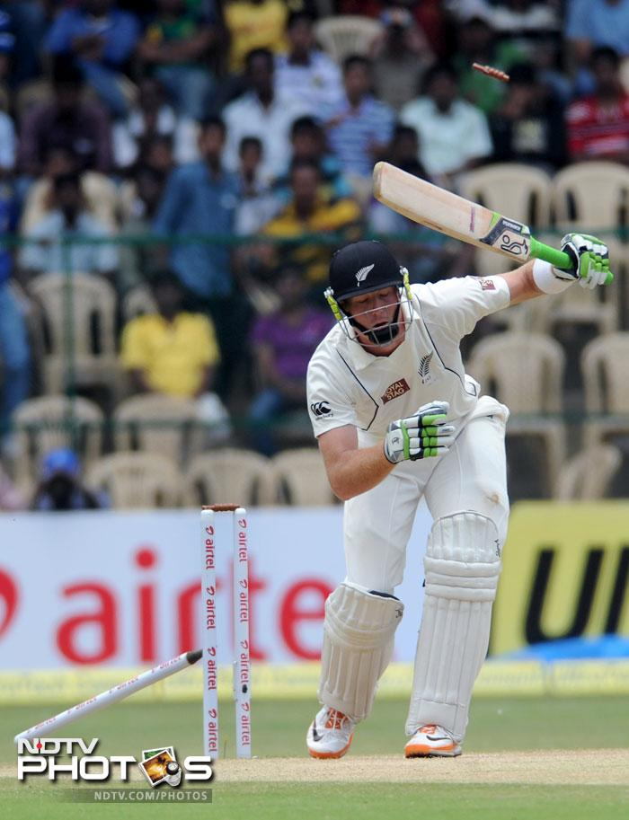 Guptill could not manage a decent start as in the first innings. This time he only managed 7 and was bowled by Umesh Yadav. Brendon McCullum got 23 off 21 before Yadav removed him too.