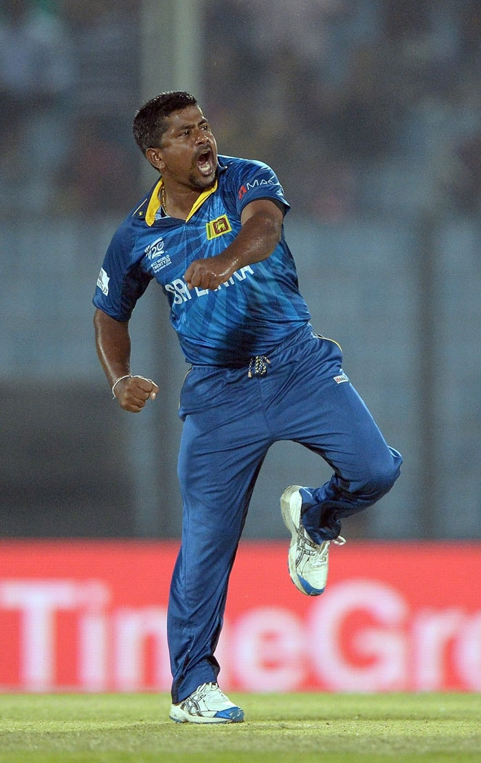 Rangana Herath's (5/3) sensational bowling performance stunned the Kiwis as they collapsed in a low-scoring run-chase of 120. Herath, who replaced Mendis in the side, ensure Sri Lanka topped Group 1 to reach semis (All images AFP).