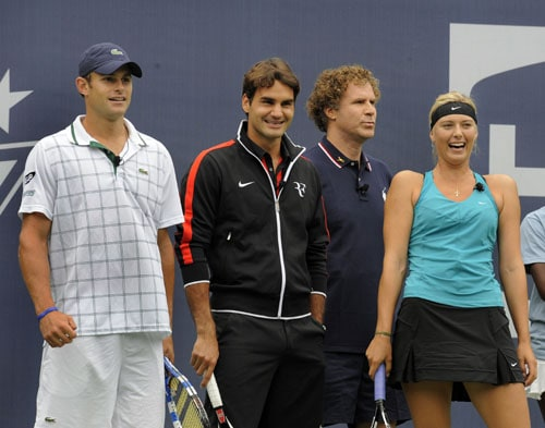 Andy Roddick of the US, Roger Federer of Switzerland, actor Will Ferrell and Maria Sharapova of Russia are seen during the Arthur Ashe Kids Day at the USTA Billie Jean King National Tennis Center in Flushing, New York. (AFP Photo)