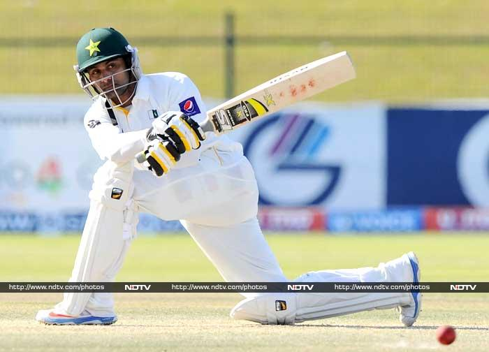 Mohd Hafeez came up with a defiant 80-run knock as the match was meandering to a draw as the umpires called for stumps on Saturday. Pakistan ended at 158 for 2.
