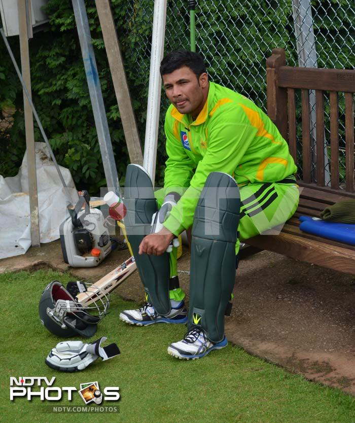 Take Imran Farhat, for instance. <br><br>The opener scored 2 and 2 in his innings against West Indies and South Africa.
