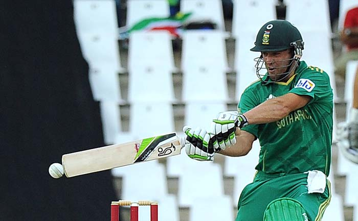 For the hosts in Centurion, only AB de Villiers had some sort of innings to boast of. He hit 36 runs off 22.