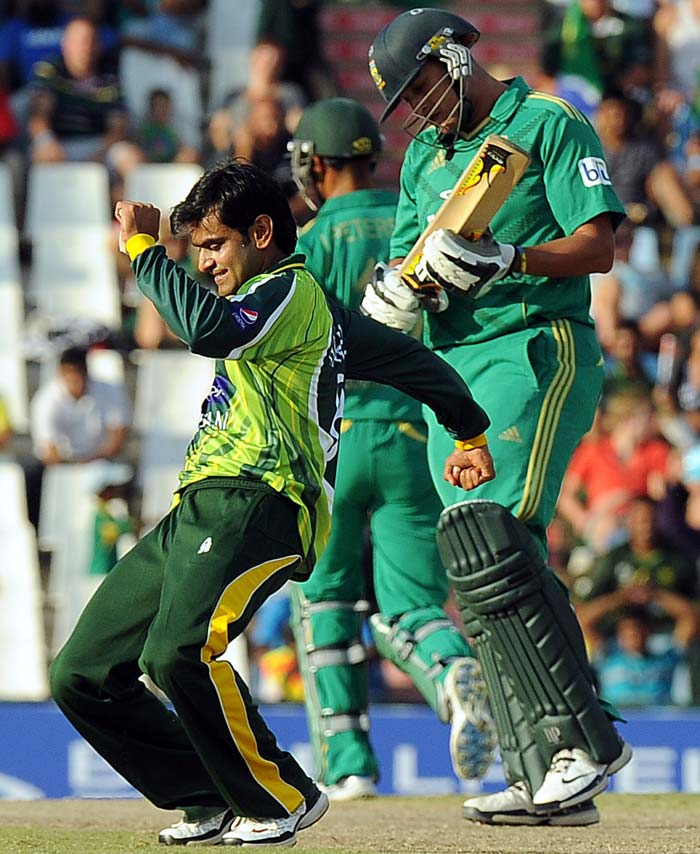 Mohammad Hafeez was the star of the match. He hit 86 off 51 to help Pakistan post 195 runs.<br><br> He then returned to claim three wickets.