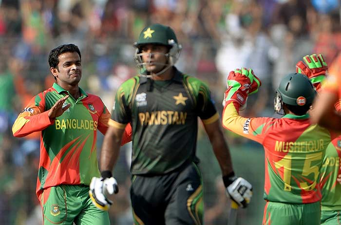 While Shehzad was not on strike, Pakistan lost wickets at regular intervals.