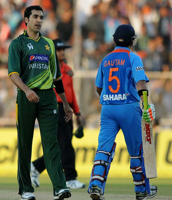 But both failed to capitalise on their good starts and fell to Umar Gul for 21 and 28 respectively leaving India at 53/2 in 7 overs.