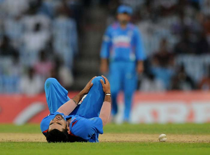 What may also be further bad news for India is this. Virat Kohli had an ugly fall while bowling and had to leave the field to receive treatment. (Image courtesy: BCCI)
