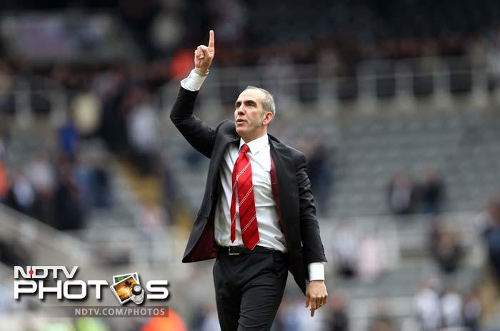 The win — Sunderland's biggest at Newcastle in 34 years — was marred by violent scenes in Newcastle after the match when 27 fans were arrested and three police officers were injured as rival supporters clashed.<br><br> For Di Canio though, there was just one big news - his first win as the manager of the EPL side! (AFP image)