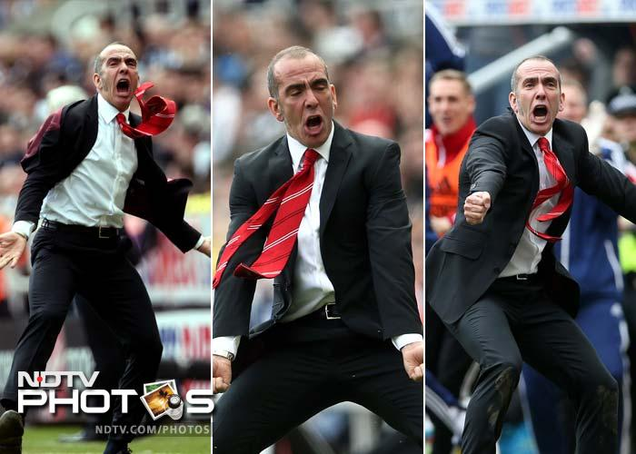 A win in football is always the sweetest for the manager. For Sunderland's Paolo di Canio, it is ecstasy.<br><br>Just see how the former Italian player rejoiced his team's 3-0 win against local rivals Newcastle. (AFP image)