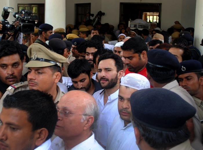 Saif Ali Khan takes part in his father's funeral procession in Pataudi.