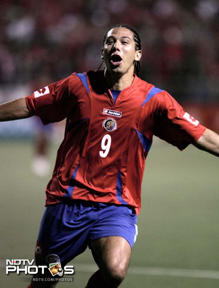 <b>Who's he:</b> Solis is a Costa Rican footballer who plays as an offensive midfielder or striker for Deportivo Saprissa in the Costa Rican Primera División.<br> <b>Base Price:</b> $200,000<br> <b>Franchise:</b> Durgapur (Tulip Infonet)<br> <b>Sold At:</b> $200,000<br>