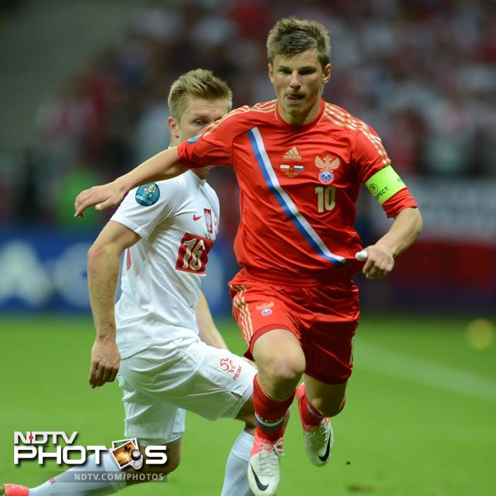 A resurgent Russia picked up the pace, with captain Andrey Arshavin crossing in the 25th minute to Aleksandr Kerzhakov, only for him to miss the target.