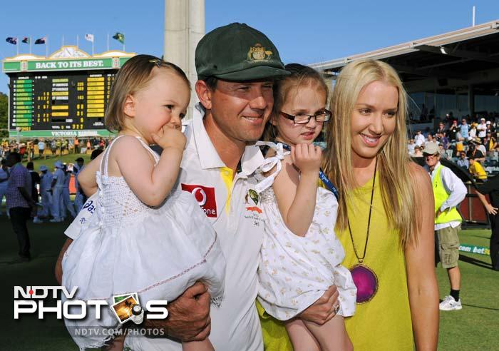 It was not a fairytale ending to his epic innings but Ricky Ponting put up a brave face against South Africa in what was his last Test and day out on the cricket field, as a player. A look at his final day in Perth, day 4 of the Test. (AFP PHOTOS)