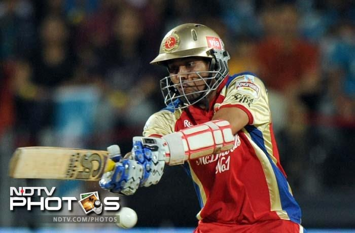 Tillakaratne Dilshan provided good support to Gayle in the opening partnership and then played a good hand in the 2nd wicket partnership to slam a fifty off 40 balls.