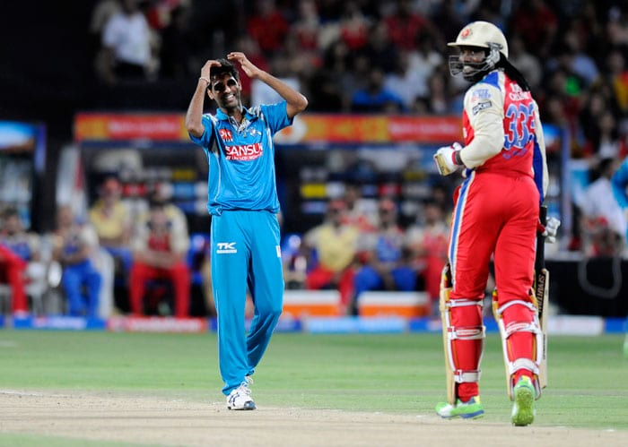 After the powerplay overs (six), Bangalore managed just managed 30 but without the loss of a wicket. Bhuvneshwar Kumar, and Ajantha Mendis, replacing Kane Richardson, started off with tight overs for the home side. (BCCI Image)
