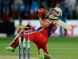 Bangalore beat Pune to garner first away win in IPL 6