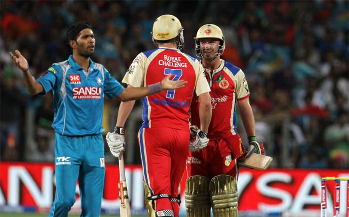 De Villiers and Moises Henriques then combined to turn the game around again as Bangalore hit 68 runs off the last 4.5 overs to set up a formidable total for Pune to chase. (BCCI Image)