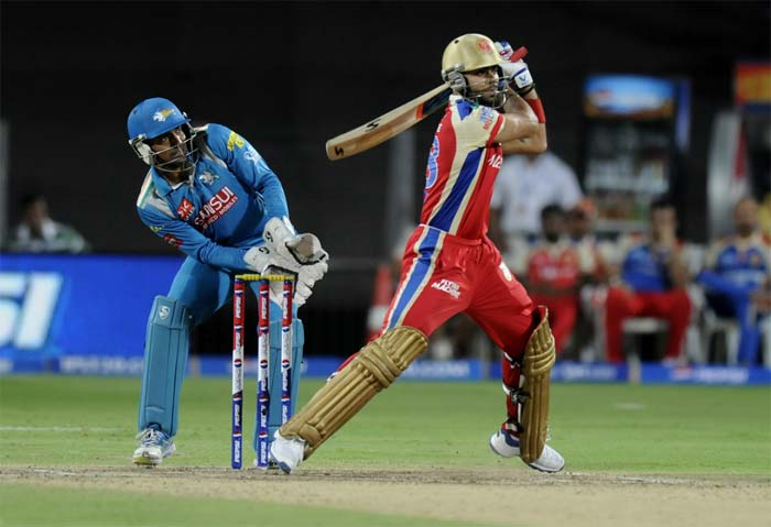 Virat Kohli then joined Tiwary at the crease, who was beginning to cut loose. A four and six off Mendis gave necessary impetus to Bangalore's innings. (BCCI Image)