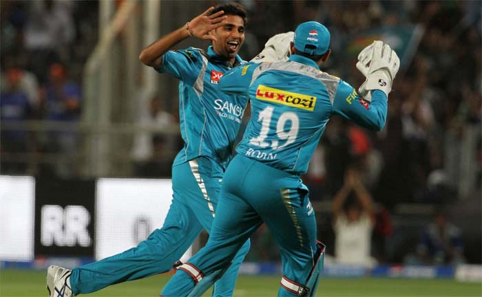 Pune Warriors might have had lost as many games in the IPL 2013 as Rajasthan Royals had won (till this match) but the visiting side did not have the most auspicious of starts losing Shane Watson's replacement Kushal Perera off the very first ball to Bhuvneshwar Kumar. (BCCI Image)