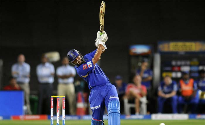 Rajasthan skipper Rahul Dravid then came in and continued his rich vein of form in very typical style. He hit boundaries straight down the ground, past point and clip past backward square leg but all kissing the beautiful surface at the Subrata Roy Sahara Stadium in Pune. <br><br> His confidence probably rubbed on to Ajinkya Rahane, who, did not bat too freely to begin with but gave his captain able support. (BCCI Image)