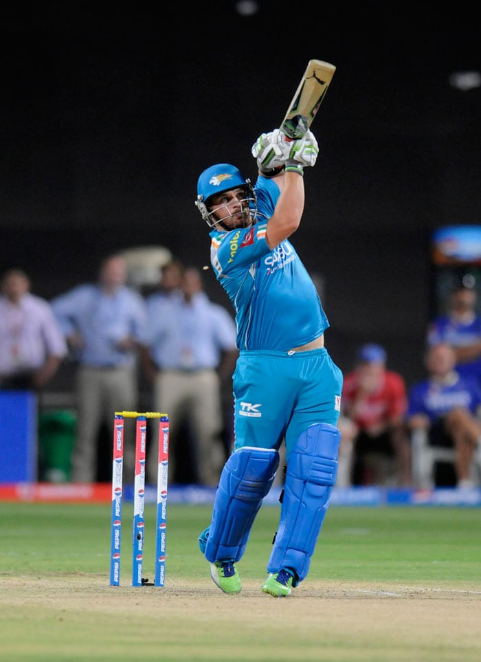 With the team being in such command, Finch too decided to open up even as New Zealand ex-skipper Ross Taylor came in to join him. The Australian took on from where the Indian had left to punish Rajasthan bowlers all around the park. His first IPL fifty came off 36 balls. (BCCI Image)