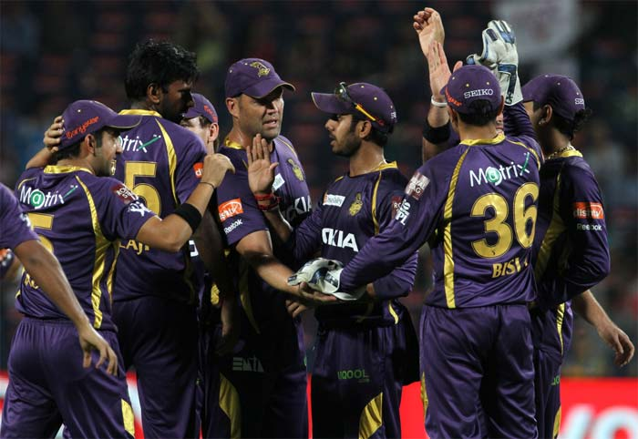 KKR ultimately completed a comprehensive win, thanks to a late flourish with the bat and an all-round bowling effort led by Laxmipathy Balaji, who struck thrice. (BCCI image)