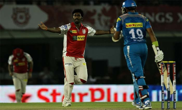 Praveen Kumar proved his worth and was the pick of the bowlers, till his final over which cost 20 runs. Parvinder Awana (1/38), Piyush Chawla (1/34) and Manpreet Gony (1/32) though were very expensive as Yuvraj Singh, Finch and Wright tore their attack apart. (BCCI Image - Awana, who took the wicket of Uthappa)