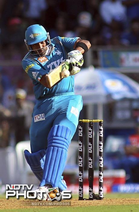 Robin Uthappa bats during an Indian Premier League match between Pune Warriors India and Mumbai Indians in Mumbai. (AP Photo/Rajanish Kakade)