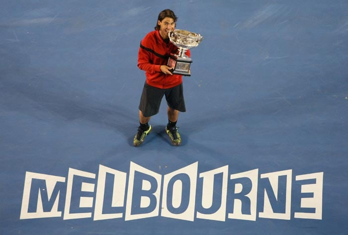 Nadal started the year 2009 in top form and went on to win his first Australian Open crown by beating Roger Federer 7-5, 3-6, 7-6 (7/3), 3-6, 6-2<br><br> He secured his first hard-court Grand Slam and stopped the Swiss from equalling the all-time Majors record.