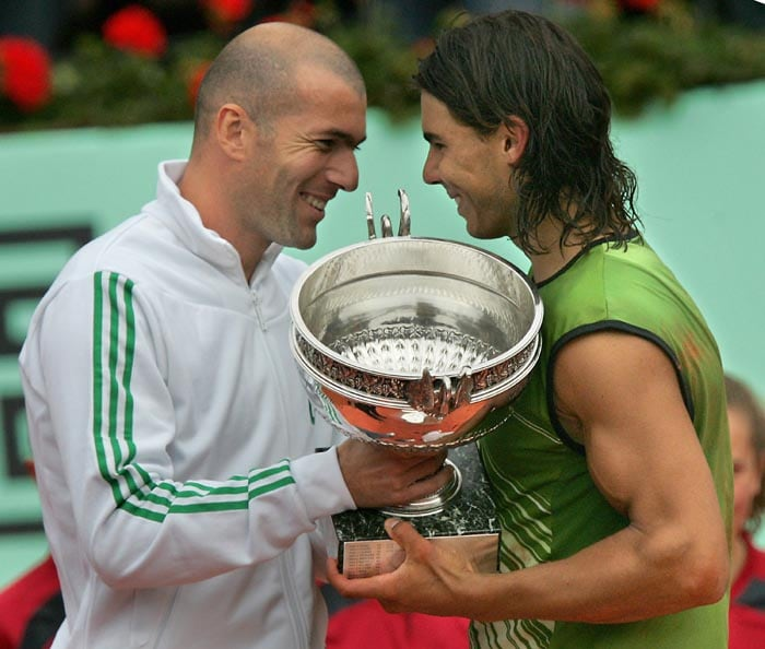 Rafa's first big success came in 2005 when he beat Argentinian Mariano Puerta 6-7(6) 6-3 6-1 7-5 in the final of the French Open to win his first Grand Slam title.<br><br> A self confessed soccer fan, Rafa was delighted when the trophy was handed over to him by soccer legend Zinedine Zidane.