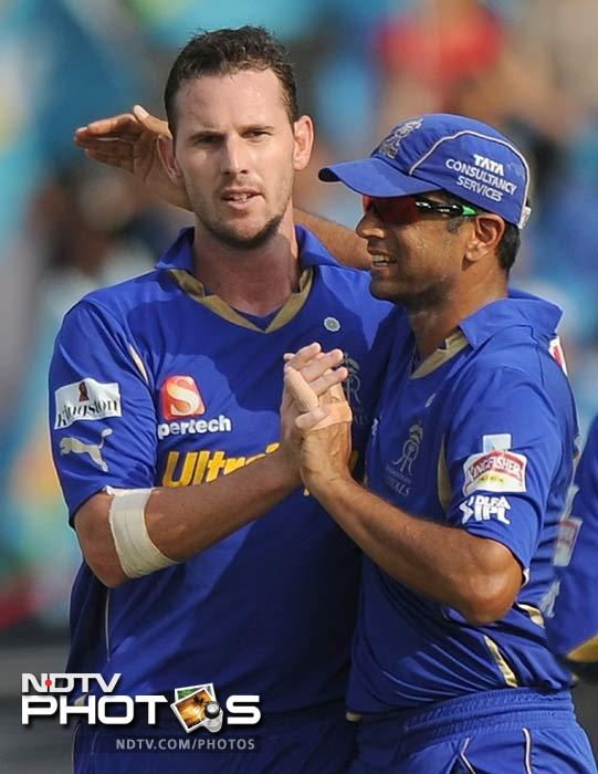 Shaun Tait was in great form with the ball claimed two early wickets, that of Ganguly and Robin Uthappa. (PUNIT PARANJPE / AFP)