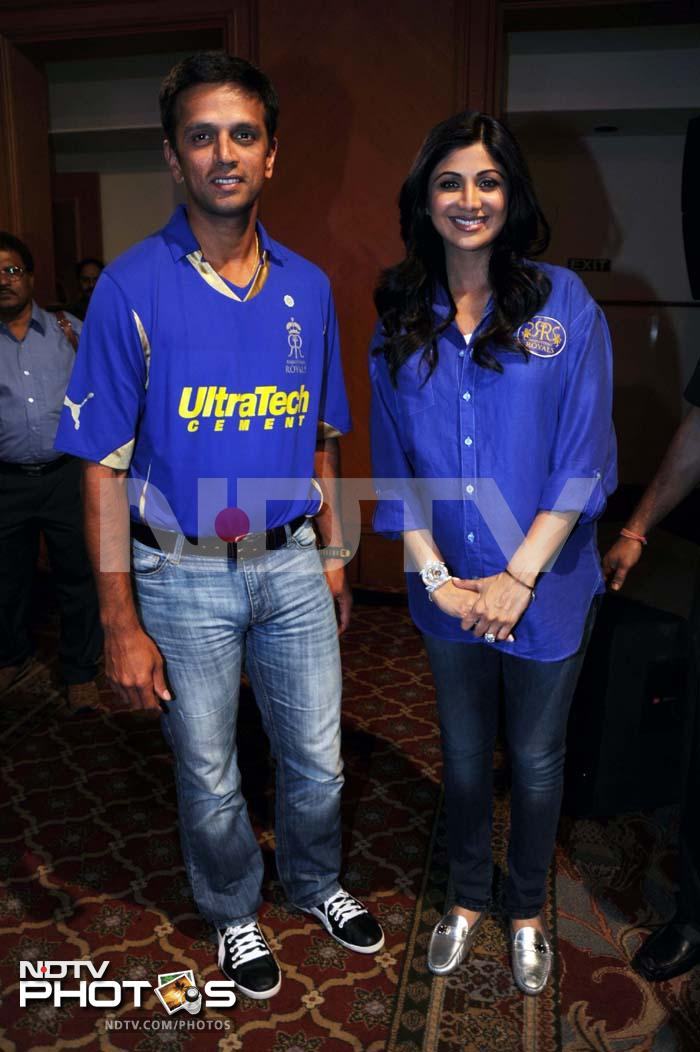 """Rahul """"The Wall"""" Dravid poses with the team owner Shilpa Shetty."""