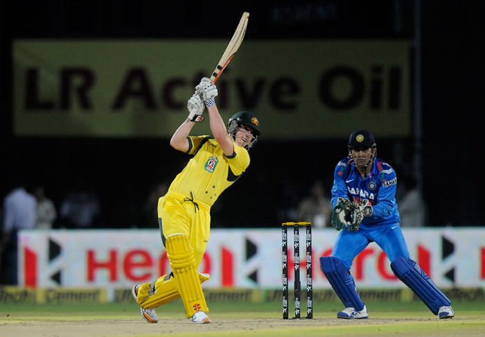 Australia were put in to bat at the Saurashtra Cricket Association Stadium in Rajkot. Left-handed opener Nic Maddinson was making his international debut and he impressed by taking the Indian bowling apart. He scored 34 from 16 balls with the help of 6 fours and a six. He shared a quickfire 29-ball 56-run stand with Aaron Finch for the first wicket. Indian bowlers were sent on a leather hunt from the outset. (All BCCI images)