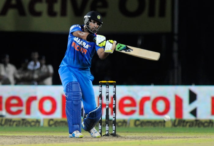 Dhawan's fall of wicket brought comeback man Yuvraj Singh to the crease. The left-hander meant business straightaway, not allowing the Australian bowlers to settle down. After the fall of Virat Kohli for 29, Yuvraj unleashed an array of strokes that makes him one of the dangerous middle order batsman in limited-overs cricket.