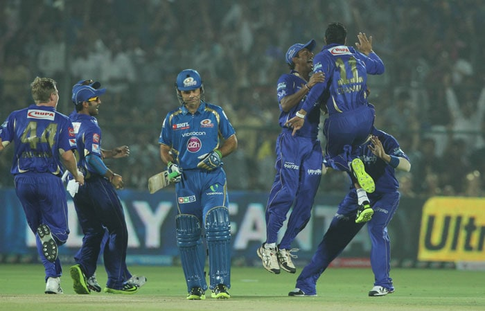 It was then the turn of Ricky Ponting, who had just 48 runs in 4 matches this season, to depart for 4. His tally of runs this IPL read 5 matches, 52 runs at a strike-rate of 69.33 in IPL 2013 after the dismissal. Chandila was the wicket-taker again as Ponting gave a simple caught and bowled, closing the face of his bat too early. (BCCI Image)