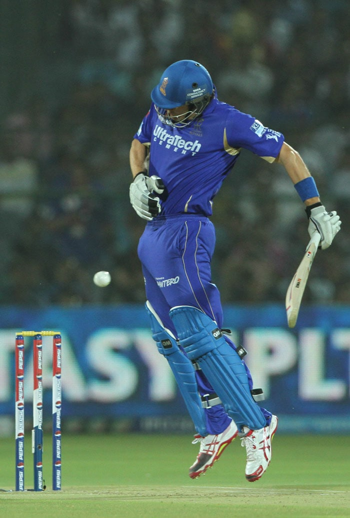 Watson (jumping in trouble vs Johnson) then hit young Rishi Dhawan for a beautiful six over mid-wicket. That survival period helped the Rajasthan duo to a great extent as Pragyan Ojha's over quite literally opened up the flood-gates. The left-armer's first over went for 13 as Rahane hit him for a straight six. (BCCI Image)